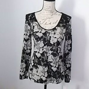 Elle new super cute blouse with shoulder and back